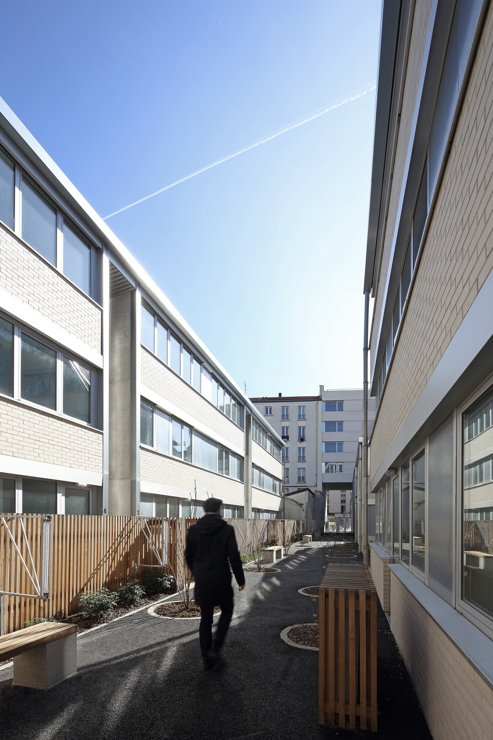 COLLECTIVE HOUSING UNITS - JAURES - 2