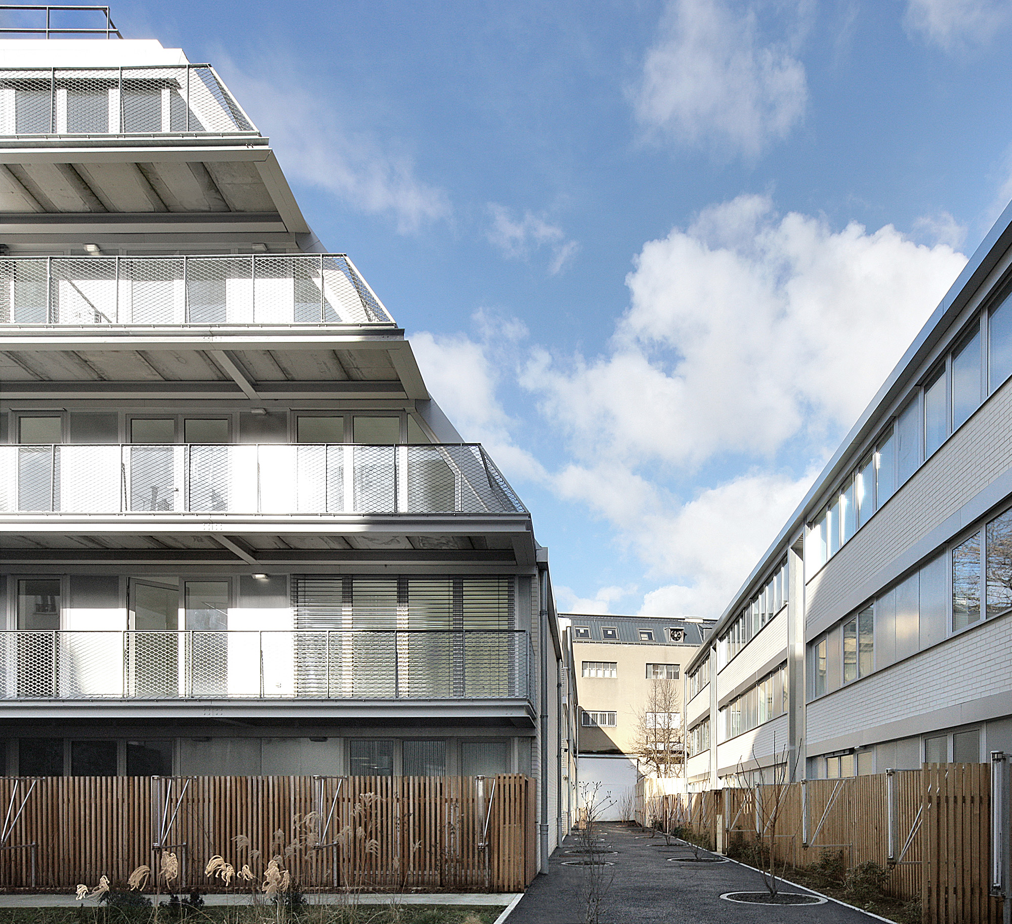 COLLECTIVE HOUSING UNITS - JAURES - 1